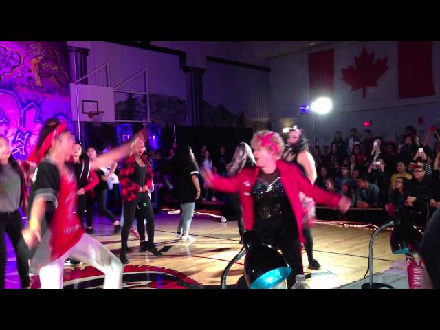 60-Year-Old Teacher Joins Hip-Hop Routine Dance